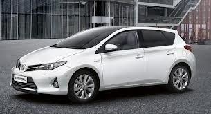 Auris Stationwagon  (13-)